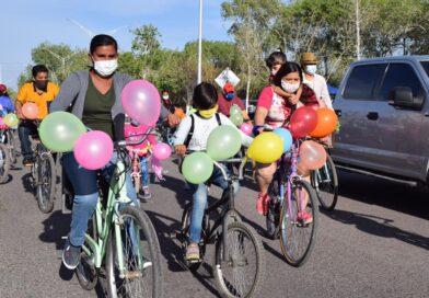 Celebran día de la familia con bicicleteada en Meoqui