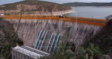 Boquilla vuelve a generar energía y abastecen agua a viviendas por alto nivel